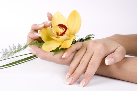 bí quyết chăm sóc da tay vào mùa hanh khô