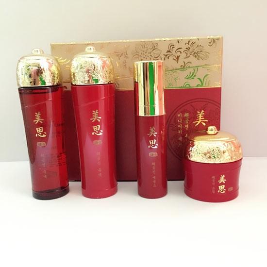 Bộ Dùng Thử Dưỡng Ẩm Và Chống Lão Hóa Cao Cấp Missha Cho Gong Jin Anti Aging Special Kit (4 sản phẩm)