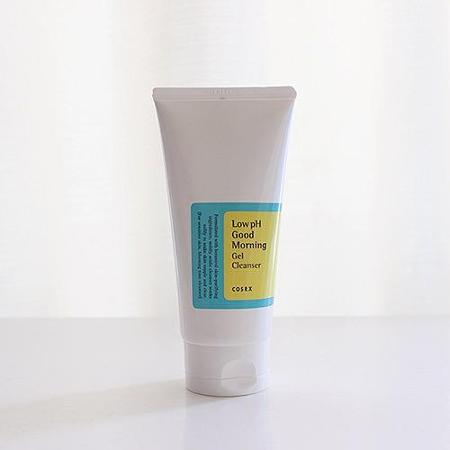 Sữa Rửa Mặt Dạng Gel Chiết Xuất Từ Dầu Cây Trà Cosrx Low PH Good Morning Gel Cleanser 150 ml