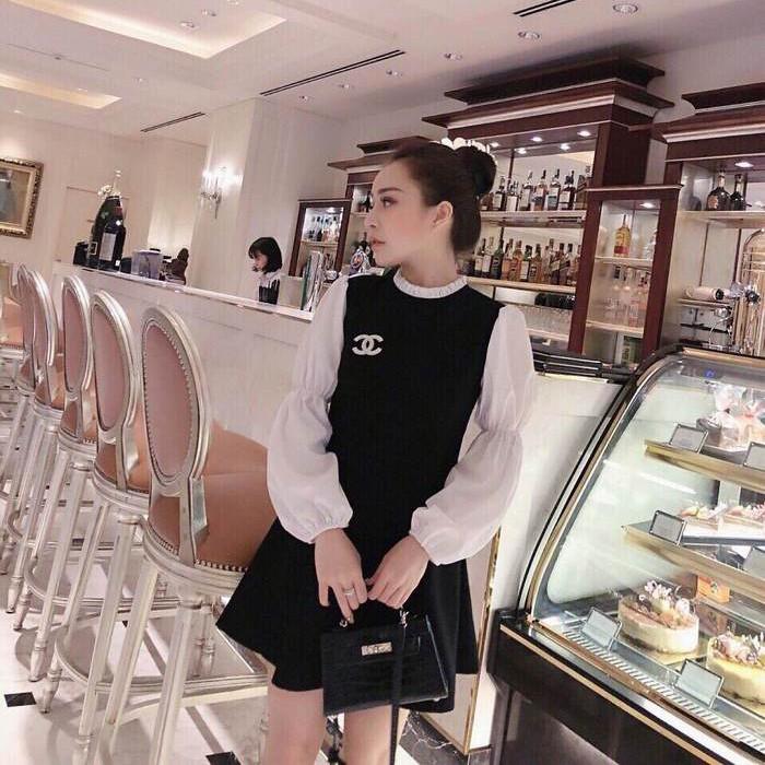 Đầm Đen Xòe Phối Tay Phồng Trắng Kèm Tag Chanel