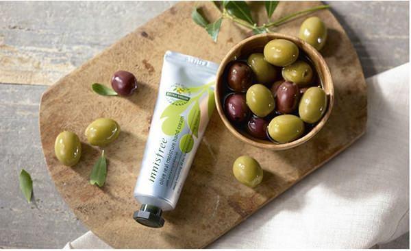 Kem Dưỡng Da Tay Chiết Xuất Oliu Innisfree Olive Real Moisture Hand Cream 50ml