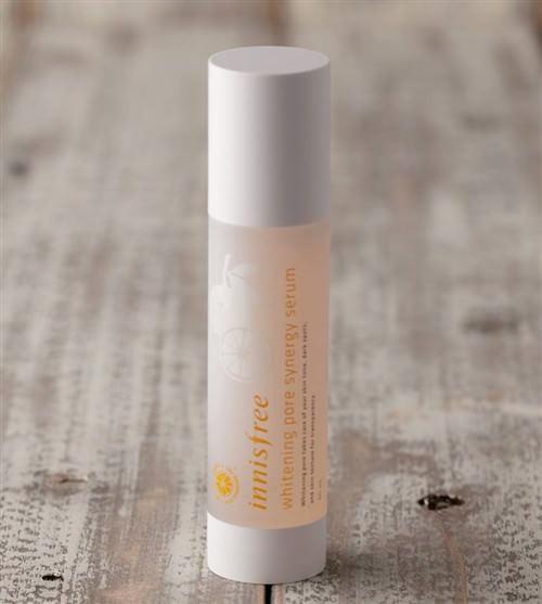 Tinh Chất Dưỡng Trắng Và Se Khít Lỗ Chân Lông Innisfree Whitening Pore Serum 50ml