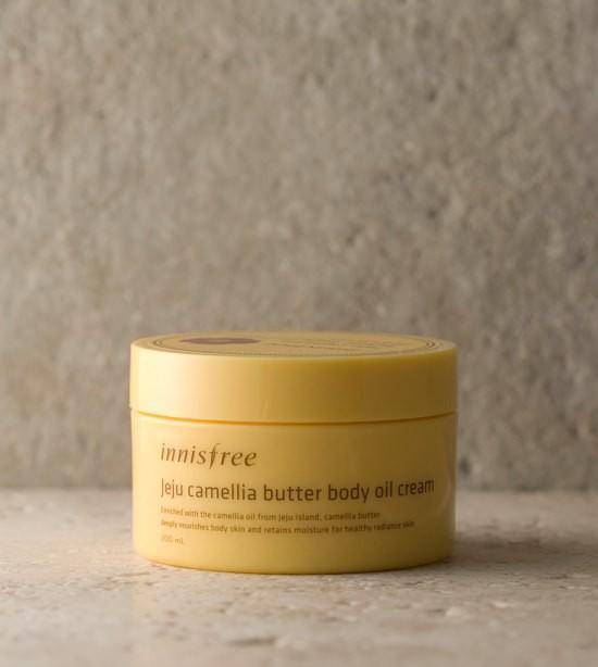 Kem Dưỡng Thể Giữ Ẩm Chiết Xuất Từ Bơ Dầu Hoa Sơn Trà Jeju Camelia Butter Body Oil Cream 200ml