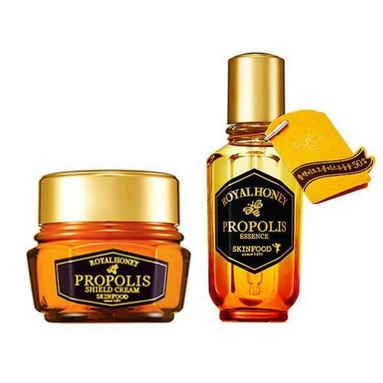 [BIG SALE] Bộ Dưỡng Ẩm Và Chống Lão Hóa Chiết Xuất Sữa Ong Chúa Và Mật Ong Skinfood Royal Honey Propolis Shield
