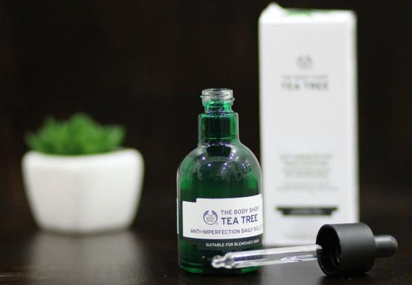 Tinh Chất Trị Mụn Bảo Vệ Da The Body Shop Tea Tree Anti-imperfection Daily Solution
