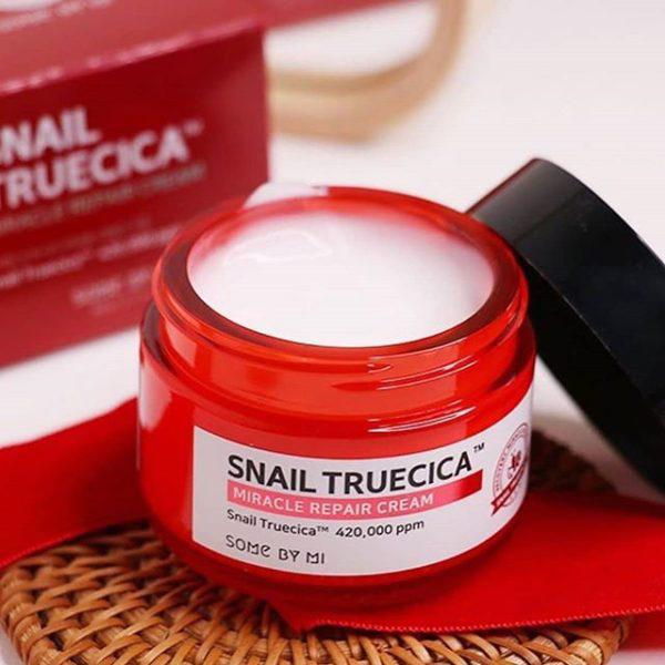 6/ Kem Dưỡng Ốc Sên Phục Hồi Da Some By Mi Snail Truecica Miracle Repair Cream 60g