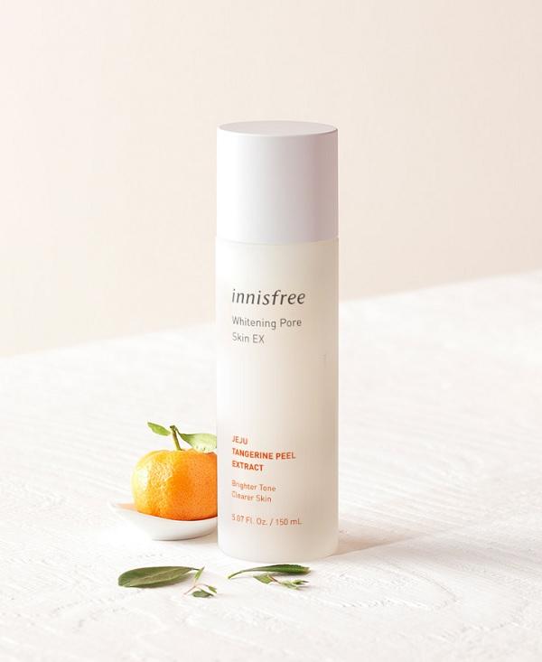 Nước hoa hồng dành cho da nhạy cảm Innisfree Whitening Pore Skin 150ml