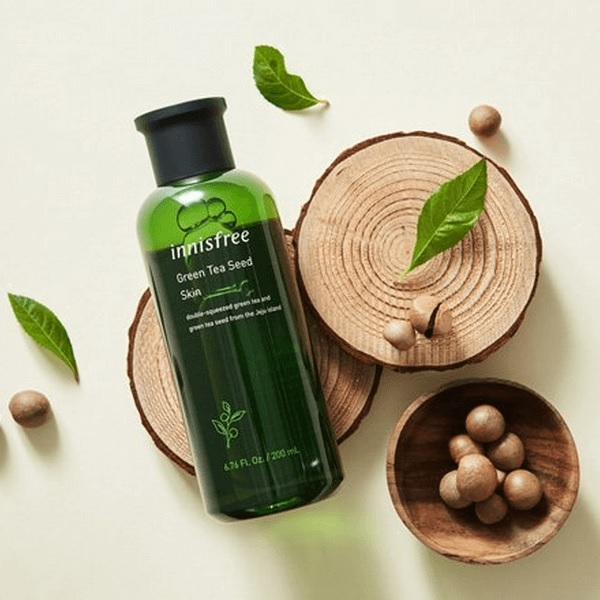 4/ Innisfree The Green Tea Seed Skin 200ml (giá ~ 379,000vnđ)