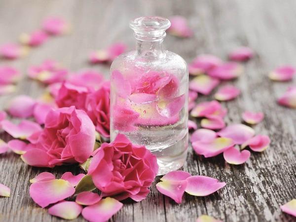 cách dùng nước hoa hồng hiệu quả và đúng cách