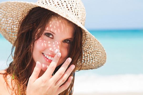 Sử dụng kem chống nắng dành cho da hỗn hợp