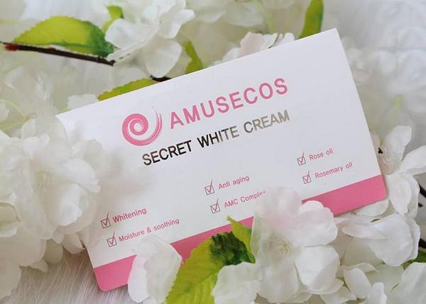 Dung Dịch Làm Hồng Se Khít Vùng Kín Amusecos Secret White Cream Rose Oil Review