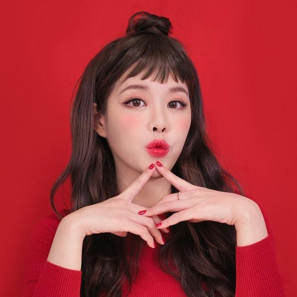 Má Hồng Trái Tim - Bí Kíp Trang Điểm Hàn Quốc Được Mê Tít Gần Đây