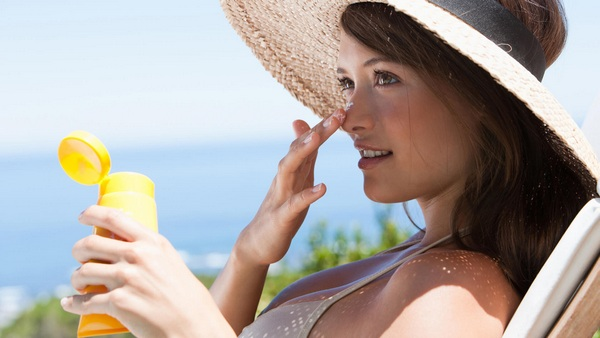 top 5 kem chống nắng hàn quốc kiềm dầu vào mùa hè