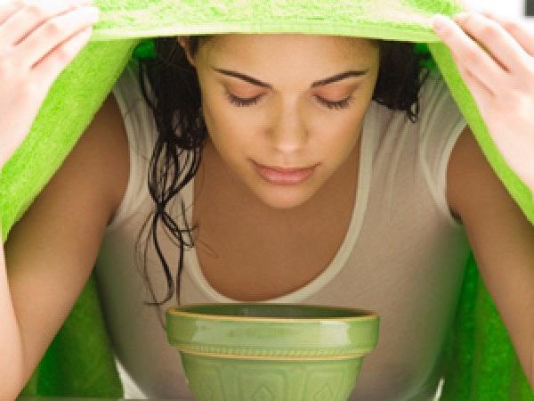 Phương pháp điềutrị mụn ẩn bằng cáchxông mặt bằng nước sả