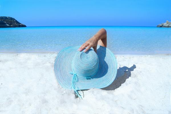 Kem Chống Nắng Tăng Cường Dưỡng Ẩm Deoproce UV Defence Sun Cream SPF50+/PA+++ 70g sử dụng tốt để đi biển