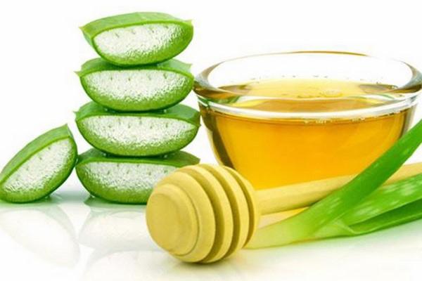 Sữa Rửa Mặt Làm Sạch Và Gữ Ẩm Cho Da Từ Lô Hội Và Mật Ong Enesti Daytoday Aloe And Honey Foaming Cleanser