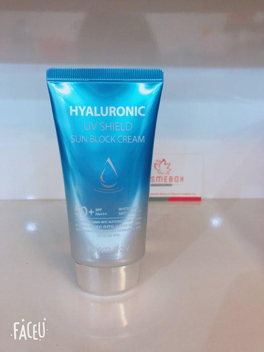 Kem Chống Nắng Dưỡng Ẩm Da Farm Stay Hyaluronic UV Shield Sun Block Cream SPF50+ PA+++ 70g