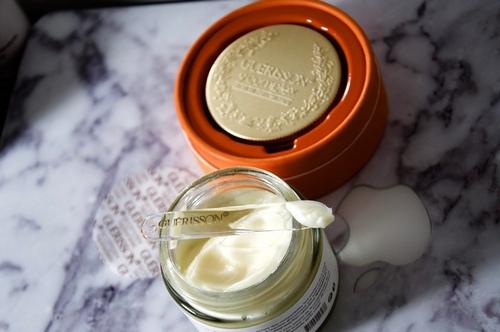 Chất kem mềm mịn của Kem dưỡng Guerrison