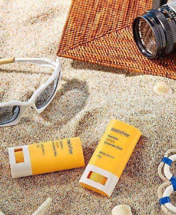Kem Chống Nắng Dạng Thỏi Chiết Xuất Hoa Hướng Dương Innisfree Intensive Leisure Sunscreen Stick SPF50+ PA++++ 19g