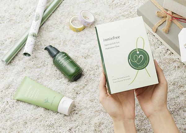 Bộ 2 sản phẩm Trà Xanh Innisfree Special Gift Set Hydration Duo