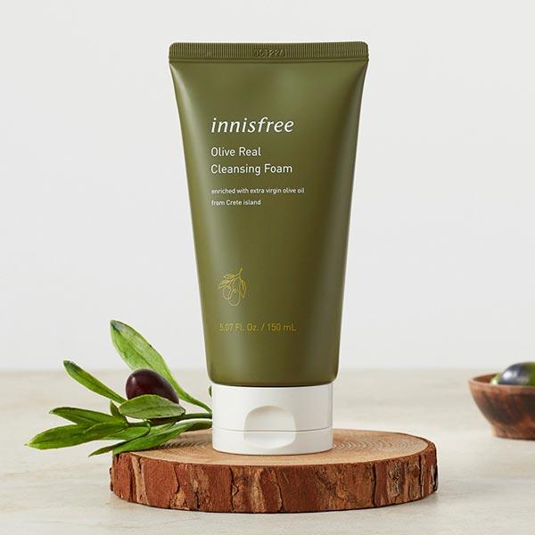 Bao bi mới Sữa Rửa Mặt Dưỡng Ẩm Sâu Innisfree Olive Real Cleansing Foam 150ml