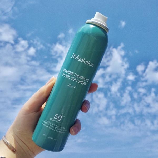 Xịt Chống Nắng Chiết Xuất Ngọc Trai Jm Solution Marine Luminous Pearl Sun Spray SPF 50+/PA +++
