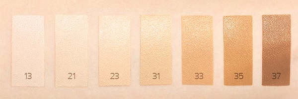 Bảng màu Kem Phấn Nền 2 Lần Che Phủ Laneige Layering Cover Cushion & Concealing Base 16.5g