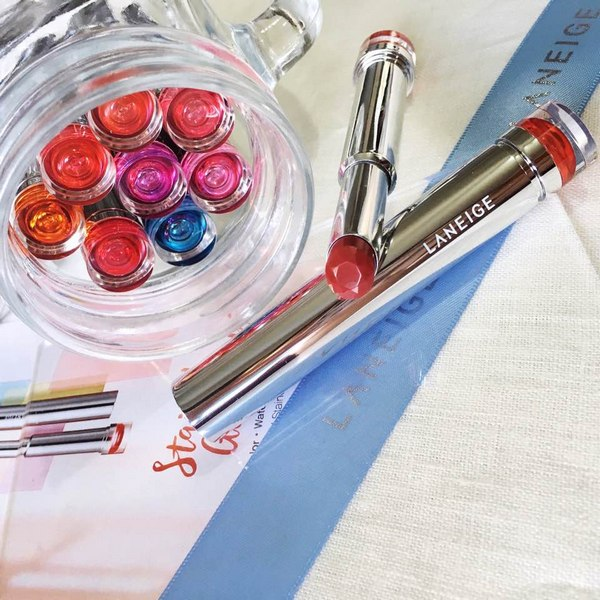 Son Thỏi Dưỡng Ẩm Mịn Môi Laneige Stained Glasstick Lipstick