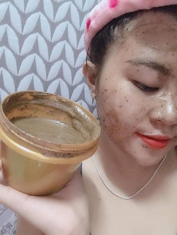 Tẩy Tế Bào Chết Chiết Xuất Từ Mật Ong - Cà Phê Mwhite Natural Honey Gel 180ml