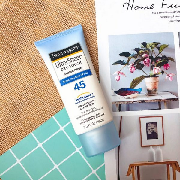 Neutrogena Ultra Sheer Dry-Touch Sunscreen Broad Spectrum SPF45 1