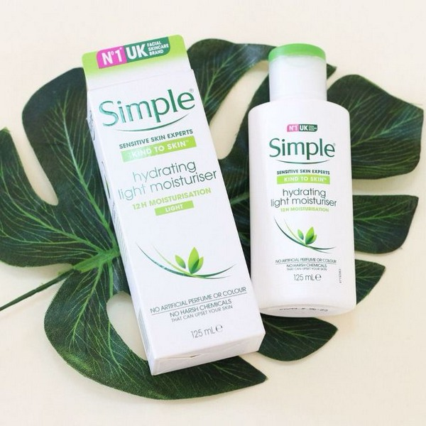 Sữa Dưỡng Ẩm Simple Kind To Skin Hydrating Light Moisturiser