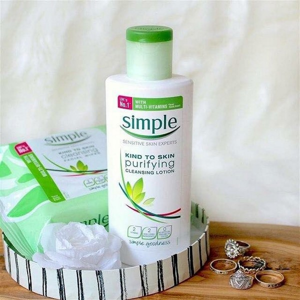 Sữa Tẩy Trang Simple Kind To Skin Purifying Cleansing Lotion 4