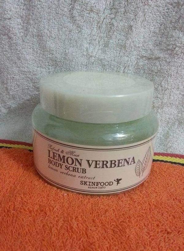 Tẩy Da Chết SkinFood Lemon Verbena Body Scrub