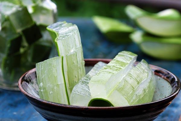 Thành Phần Sữa Rửa Mặt Lô Hội & Trà Xanh Herb Day 365 Master Blending Foaming Cleanser 170ml