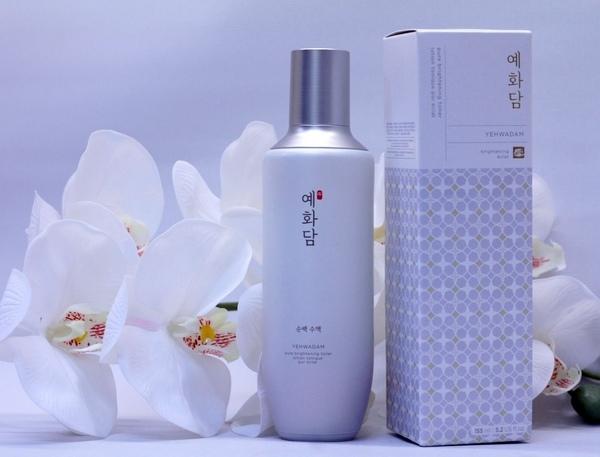 Nước Hoa Hồng Dưỡng Trắng The Face Shop Yehwadam Pure Brightening Toner 155ml