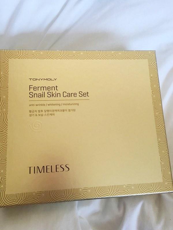 Bộ Sản Phẩm Dưỡng Sáng, Ngăn Ngừa Lão Hóa Tonymoly Timeless Ferment Snail Skin Care Set