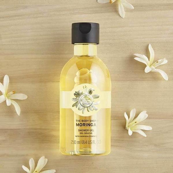Sữa Tắm Không Bọt Dạng Gel Làm Mịn Da The Body Shop Moringa Shower Gel